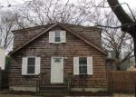 Foreclosed Home in East Patchogue 11772 253 BAYVIEW AVE - Property ID: 3914088