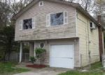 Foreclosed Home in Mastic 11950 46 PATCHOGUE AVE - Property ID: 3929129