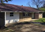 Foreclosed Home in Pigeon Forge 37863 903 MOUNTAIN VIEW ST - Property ID: 3939451