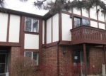 Foreclosed Home in Crystal Lake 60014 424 BRANDY DR UNIT B - Property ID: 3944117