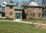 Foreclosed Home in Mchenry 60050 4310 W SHAMROCK LN APT 2C - Property ID: 3947092