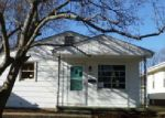 Foreclosed Home in Springfield 62704 1911 S PASFIELD ST - Property ID: 3961644