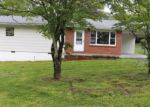 Foreclosed Home in Crossville 38555 320 IVY AVE - Property ID: 3964481
