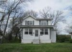 Foreclosed Home in Saint Louis 63121 8661 TRUMBELL AVE - Property ID: 3969250