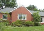 Foreclosed Home in Clinton 44216 5844 SPIKERMAN DR - Property ID: 3979467