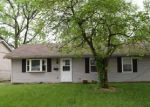Foreclosed Home in Springfield 62702 2124 E ELEANOR AVE - Property ID: 3983450