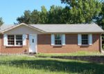 Foreclosed Home in Clarksville 37040 805 KINGSBURY RD - Property ID: 3987688