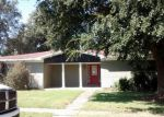 Foreclosed Home in Port Neches 77651 3174 SANDALWOOD DR - Property ID: 3993172