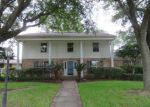 Foreclosed Home in Port Neches 77651 682 BIRCHWOOD DR - Property ID: 3993800