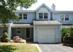 Foreclosed Home in Central Islip 11722 33 OAK ST - Property ID: 4006050