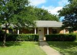 Foreclosed Home in Dallas 75249 9303 COUNTY VIEW RD - Property ID: 4008345