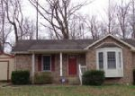Foreclosed Home in Clarksville 37042 206 SARAH ELIZABETH DR - Property ID: 4008634