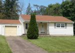Foreclosed Home in Youngstown 44511 3332 ESTATES CIR - Property ID: 4009368