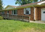 Foreclosed Home in Clarksville 37042 1524 WOODLAWN RD - Property ID: 4018246