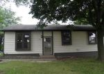 Foreclosed Home in Davenport 52806 2625 W 55TH ST - Property ID: 4020208