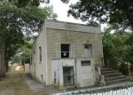 Foreclosed Home in Shirley 11967 120 OAK AVE - Property ID: 4028326