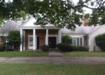 Foreclosed Home in Southfield 48033 23350 LAKE RAVINES DR - Property ID: 4031911