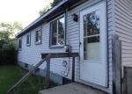 Foreclosed Home in Walled Lake 48390 2373 MENTONE ST - Property ID: 4033260
