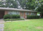 Foreclosed Home in Hopkinsville 42240 210 RONEY DR - Property ID: 4039228