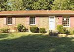 Foreclosed Home in Louisville 40214 832 GLEAM DR - Property ID: 4041005