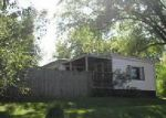 Foreclosed Home in Davenport 52806 2717 W 49TH ST - Property ID: 4041042