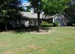 Foreclosed Home in Fayetteville 72703 2292 N CREEKWOOD AVE - Property ID: 4042370