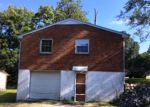 Foreclosed Home in Clarksville 37040 115 JAY CIR - Property ID: 4044842