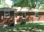 Foreclosed Home in Louisville 40219 4834 WESTSIDE DR - Property ID: 4049881