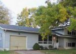 Foreclosed Home in Bettendorf 52722 2424 CRESTVIEW DR - Property ID: 4050815