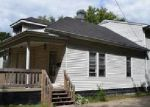 Foreclosed Home in Springfield 62702 924 N MILTON AVE - Property ID: 4053125