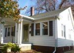 Foreclosed Home in Springfield 62703 2418 YALE BLVD - Property ID: 4056099