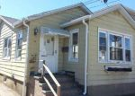 Foreclosed Home in Island Park 11558 19 HASTINGS RD - Property ID: 4070490
