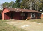 Foreclosed Home in Memphis 38109 3949 LILLIAN CV - Property ID: 4072139