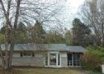 Foreclosed Home in Louisville 40229 6155 CHERRY HILL CT - Property ID: 4073999