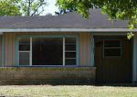 Foreclosed Home in Alvin 77511 1733 S PARK DR - Property ID: 6196792