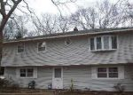 Foreclosed Home in Coram 11727 143 PAULS PATH - Property ID: 6204303