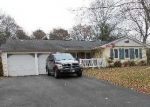 Foreclosed Home in Coram 11727 20 HYDE LN - Property ID: 6206357