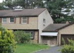 Foreclosed Home in Coram 11727 4 WYNVILLE CT - Property ID: 6293414